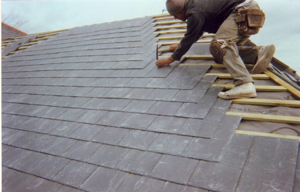 How to Use Preventative Maintenance to Reduce Roof Repair Bills